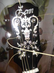 """サウンドハウス(SoundHouse)社 自社ブランド製""""ZENN-ZD45″製造中止品-アコースティック・ギター """"Gibson J-45″のオマージュ作品(仏:hommage)を深く愛し続けている理由(改造記録)!"""