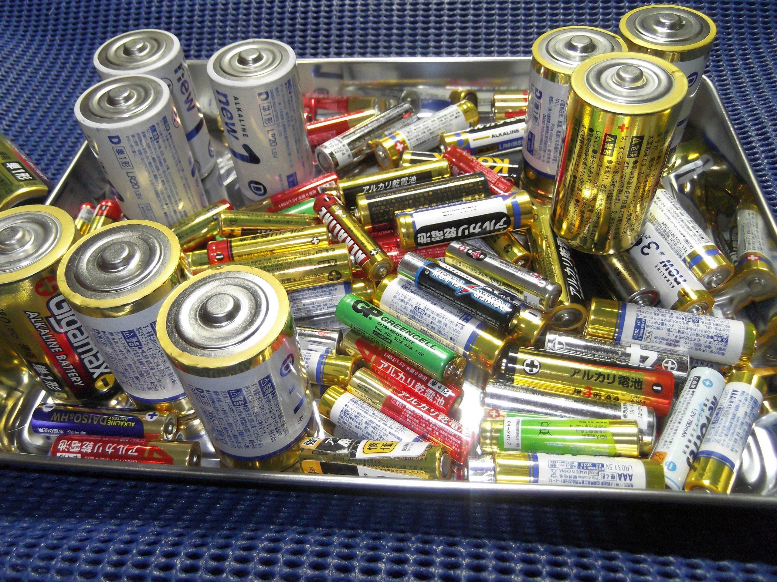 """天災・災害・緊急用・非常灯-""""LEDライト""""-MAGLITE vs LENSER社-""""P14″修理歴-潔く""""アルカリ電池""""と完全に""""訣別する""""その理由とは!?"""